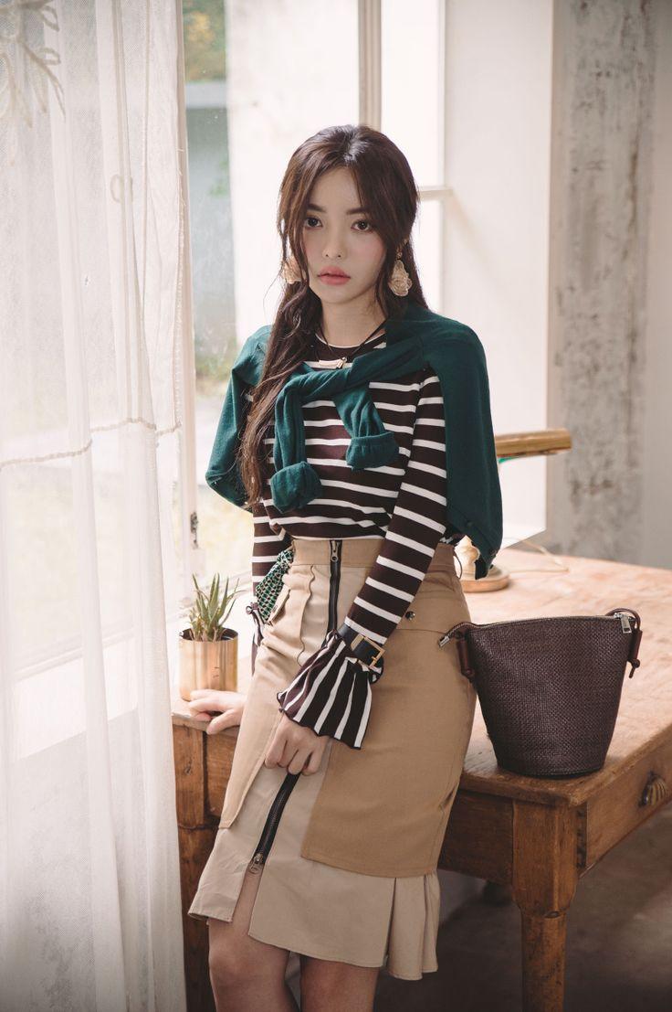 Ruffle Cuff Striped T-Shirt CHLO.D.MANON   #stripe #tee #koreanfashion #kstyle #kfashion #falltrend #bellsleeve #ruffle