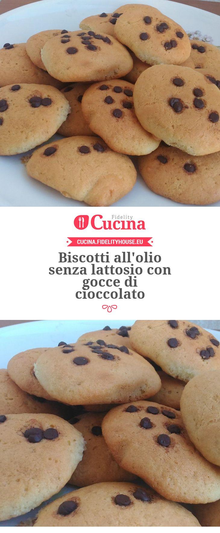 Biscotti all'olio senza lattosio con gocce di cioccolato