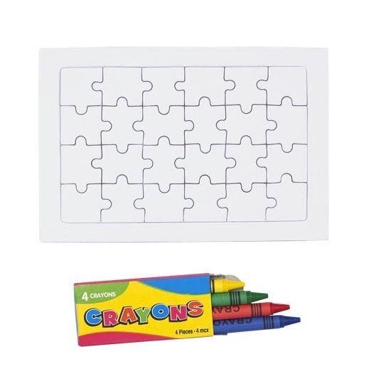 Een blanco puzzel bestaande uit 24 stukjes, inclusief 4 krijtjes in de kleuren geel, groen, rood en blauw. Ontwerp aan de hand van deze DIY puzzel set een unieke puzzel. Formaat: 15 x 10 cm.