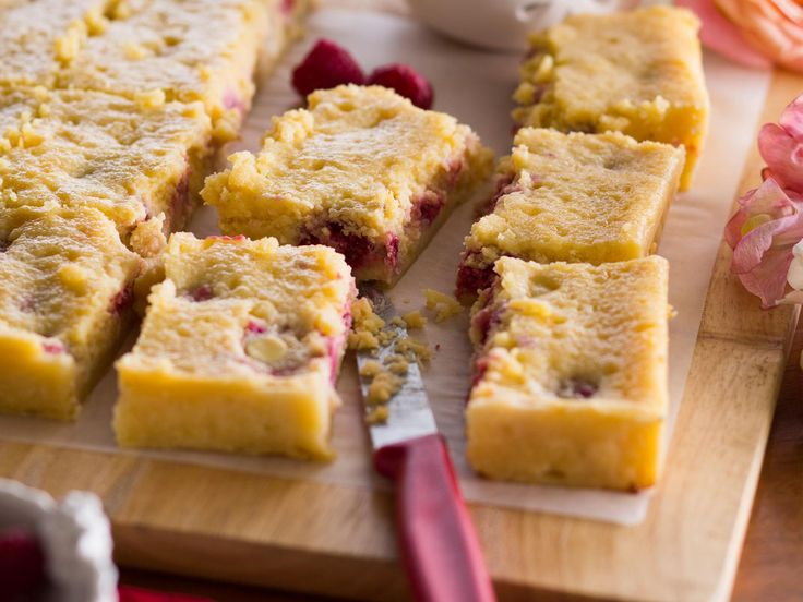 This slice is wickedly moreish, so don't blame me if you can't stop at one piece! The creaminess of the mascarpone studded with tart fresh raspberries makes this a truly decadent treat.