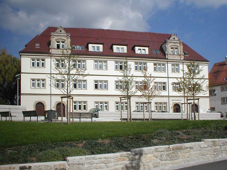 Amtsgericht (ehemaliges herzogliches Schloss) in Backnang, Baden-Württemberg, Deutschland