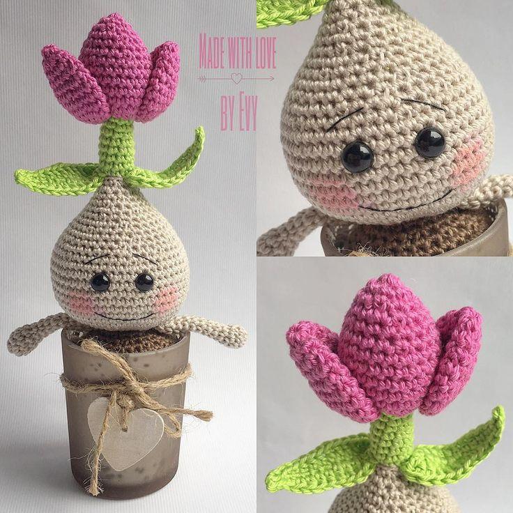 #crochet #haken #häkeln #handmade #madebyme #madewithlove #crochetlove #crochetaddict #zelfgemaakt #zelfgehaakt #hakeniship #hakenisleuk #amigurumi #flower #tulip #crochetflower #spring #springtime #sweet #cute