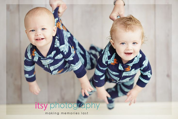 baby boy twins cake smash photography posing ideas cute twin boys photography