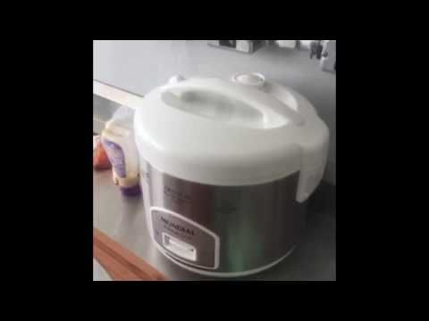 Galinhada fácil na panela elétrica de arroz