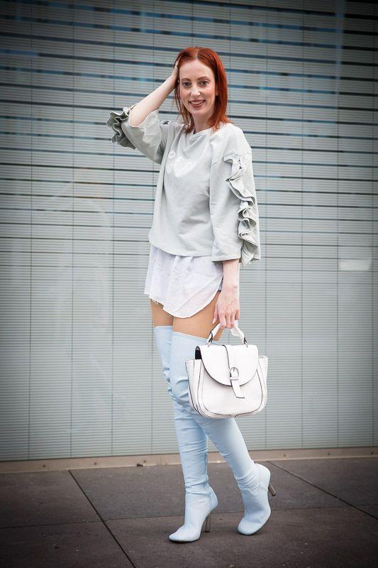 Overknees schön kombinieren, Tipps für stilvolle Styles mit den Klassikern der Stiefel. Mehr dazu HIER