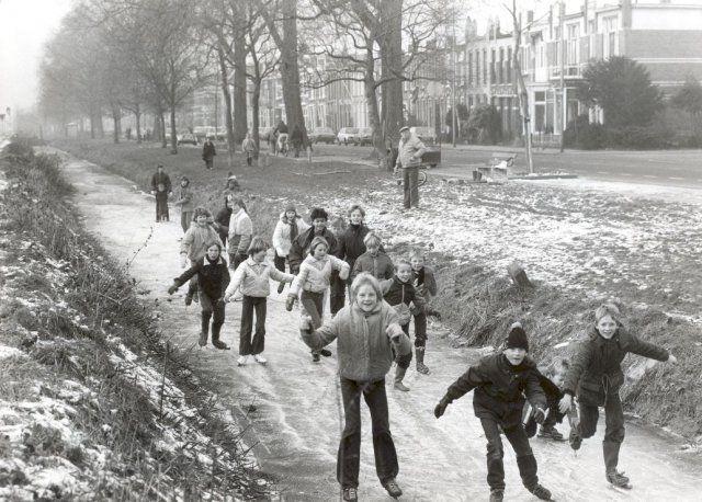 Willem Lodewijkstraat, ca. 1984. Bron: Historisch Centrum Leeuwarden - Beeldbank Leeuwarden