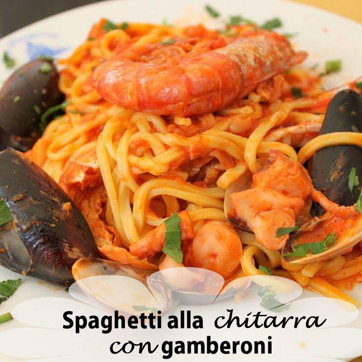 Spaghetti alla chitarra con gamberi e pomodori pachino