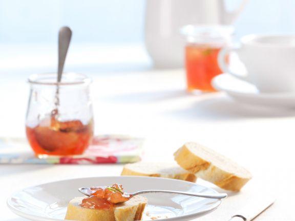 Weinbergpfirsich-Konfitüre ist ein Rezept mit frischen Zutaten aus der Kategorie Kochen. Probieren Sie dieses und weitere Rezepte von EAT SMARTER!