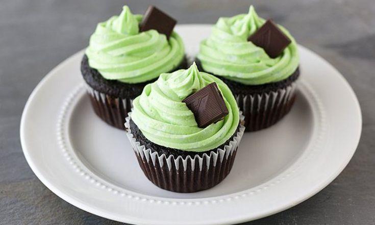 Освежающий десерт, мятно-шоколадные капкейки | HomeBaked
