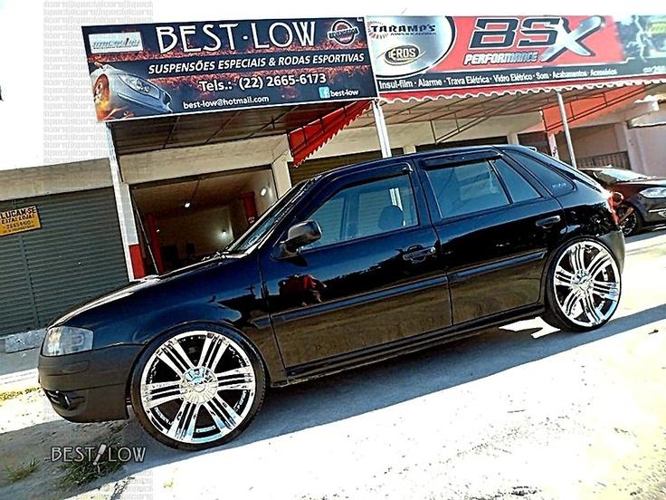 "VW Gol G4 rebaixado preto com rodas aro 20"" cromadas Zinik Luina  -  Black VW Gol MK4, dropped, with Zinik Luina 20"" chrome wheels"
