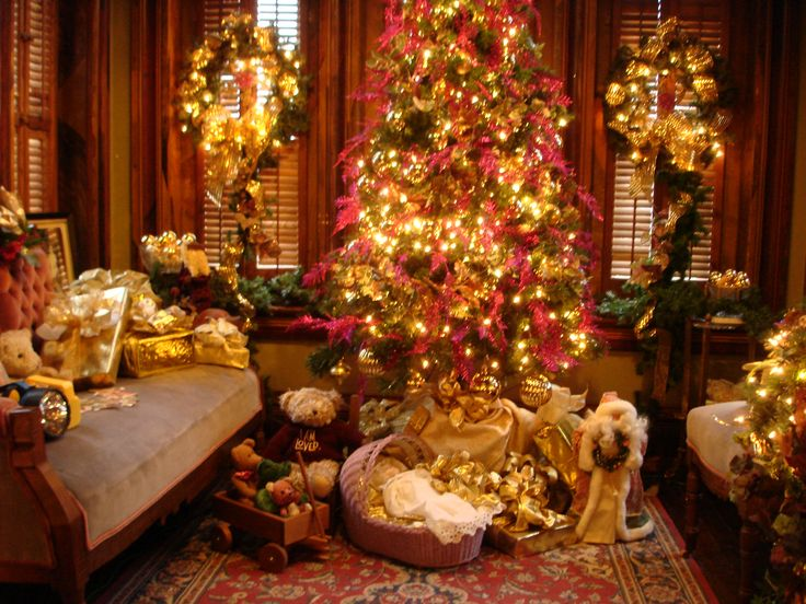 38 best Vaile Mansion at Christmas images on Pinterest Victorian