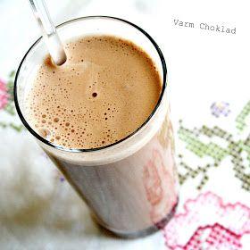 Inspirerad av flera som gjort Ägg-latte blev det  en choklad variant  för mig som inte dricker Kaffe. Underbart gott! och  enkelt....