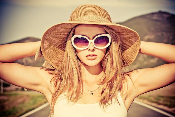 Włosy blond pod specjalną ochroną kosmetyków.