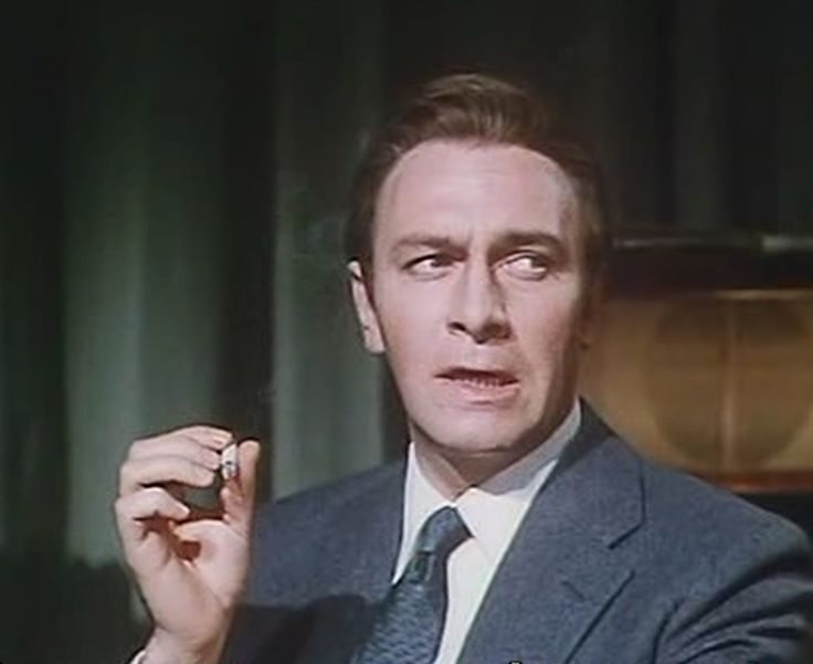 Christopher Plummer in Triple Cross | film: screencaps ...