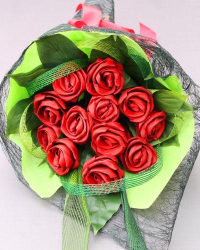 1 Dozen Flax Aroha Roses