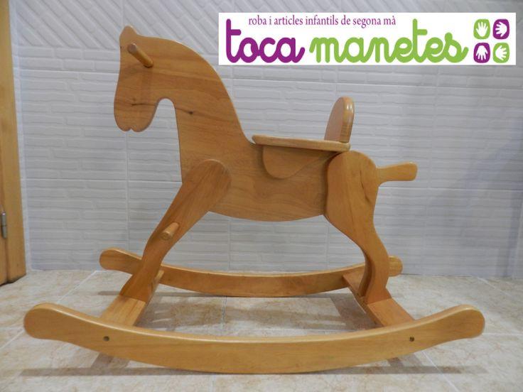 Caballito balancín de madera de segunda mano. PVP TocaManetes: 45€.
