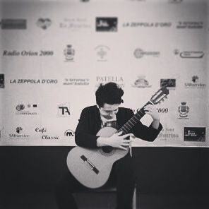 Ieri bellissima serata al Castello Doria di Angri!  Un grandissimo ringraziamento va al mio amico Nicola Montella per la splendida organizzazione, l'estrema cura e la grande serietà!  Nov 2014. Angri.  #angri #guitar #chitarra #concerto #classica #music #hall
