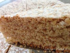 Unser Lieblings-Nusskuchen ohne Ei, ohne Butter - in 40 min auf dem Tisch: Mandelkuchen vegan!  http://einfachstephie.de/2014/02/15/mandelkuchen-ohne-ei-ohne-butter-40-min-auf-dem-tisch/