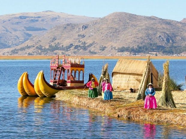 Discover the #Uro's #artificialreedislands in #LakeTiticaca, between the territories of #Bolivia and #Peru. The #floatingislands, together with their traditional #villages, were built by the #Uros' #community. #Customs and #ancientmyths of this #community have been passed down from #generation to generation, keeping alive the ancient #culture of one of the oldest #Andeancivilizations. #Experience this #wonderful #world! Consult us >http://goo.gl/wsHarF