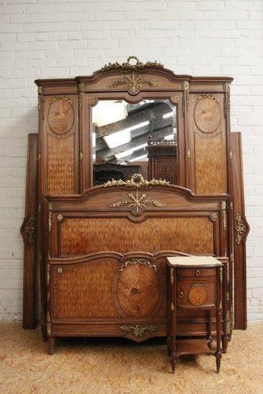 «BersoАнтик» - Старинный спальный гарнитур Людовик XVI