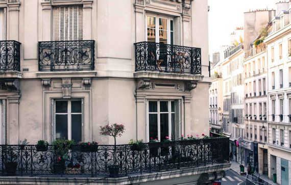 Parijs fotografie, kamer met uitzicht in de Marais, Parijs balkon, Parijs Appartement, reizen neutrale tinten, Parijs afdrukken, Parijs kunst aan de muur