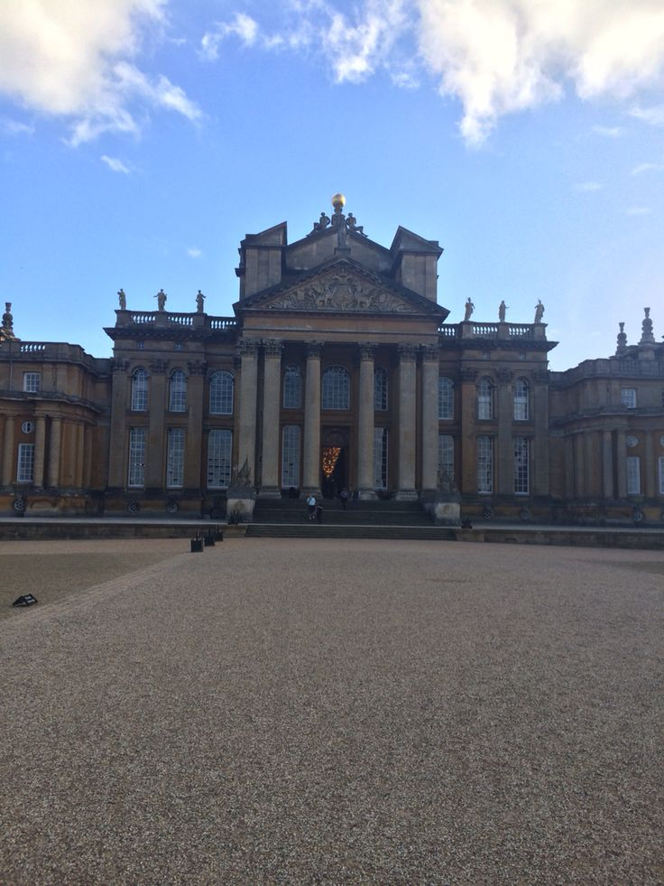 @blenheimpalace - The entrance to the Palace