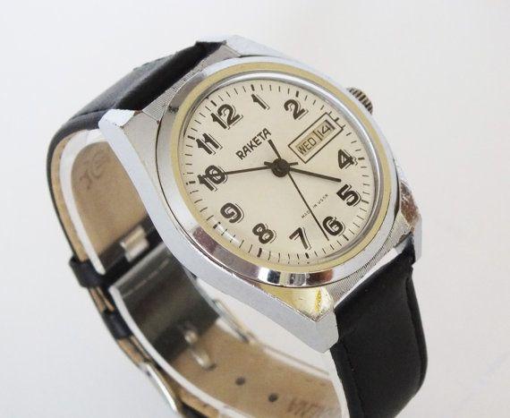 Vintage mens watch RAKETA 19 jewels mens mechanical  wrist watch double calendar 70s