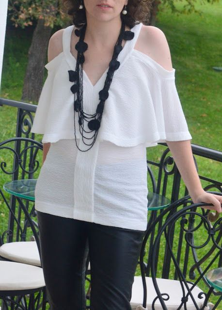 I believe I can sew...: Second Vogue 9238 in pure white crepe jersey