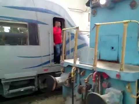 SNTF : Train 3310 (Constantine-Skikda) loco 060DT05 et 060DR08 - YouTube