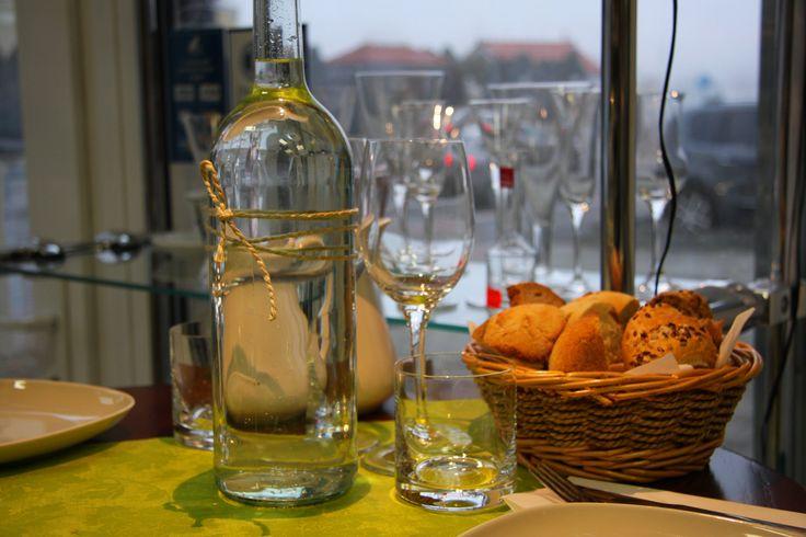 Wine & Deli IN MEDIO Bratislava, Slovensko ..............................................www.vinopredaj.sk................................................................ #vinoteka #wineshop #delishop #glassware #napojovesklo #sklo #kava #kaviareň #espresso