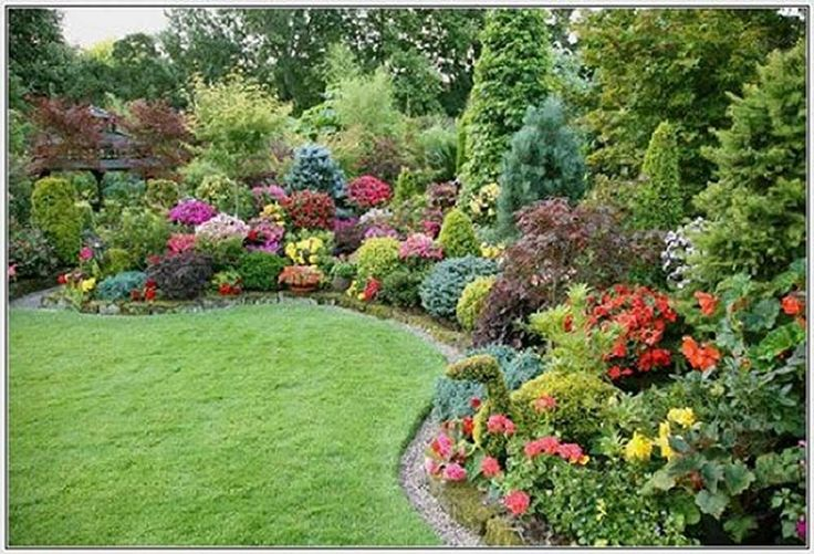 Small Garden in The Backyard Design Ideas with colorful flower