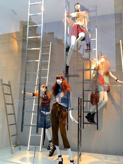 """ZARA,London,England,""""Just remember Laura,you can't climb the ladder of succes with your hands in your pockets"""", pinned by Ton van der Veer"""