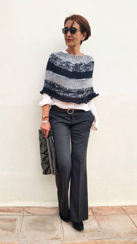 A perfect knit wool poncho sweater. por EstherTg