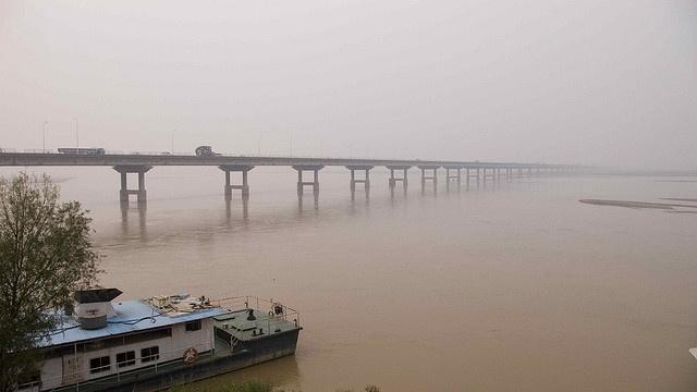 Bridge over the Yellow River by RMEIKLEJ, via Flickr