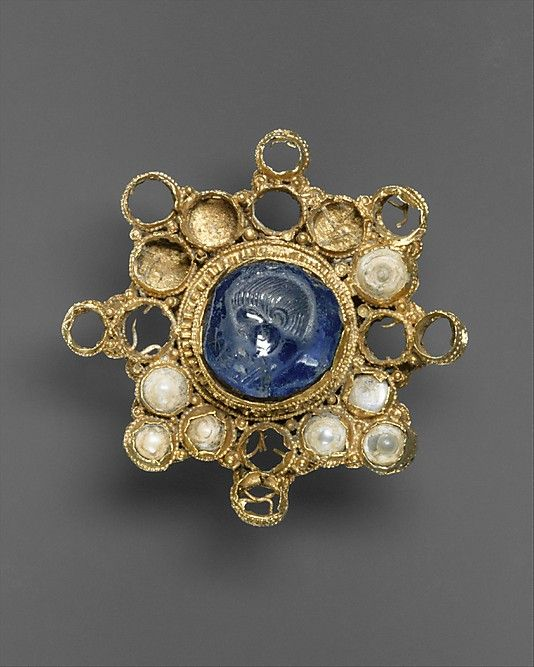 Star-Shaped Brooch with Intaglio  Date: setting second half 10th century, intaglio A.D. 337–50