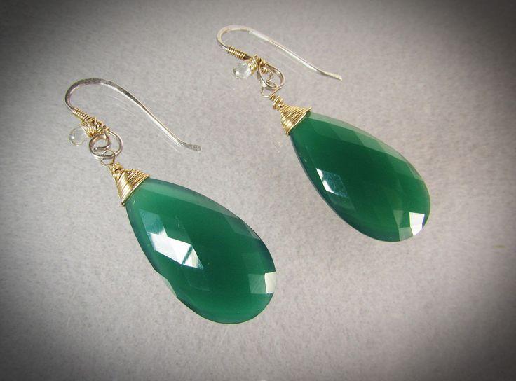 Large emerald green Onyx teardrops gold wire wrapped hook earrings / emerald green/ sapphires/ handmade earrings/ VNVDesign 020720173 #handmade #earrings #gemstonejewelry #green