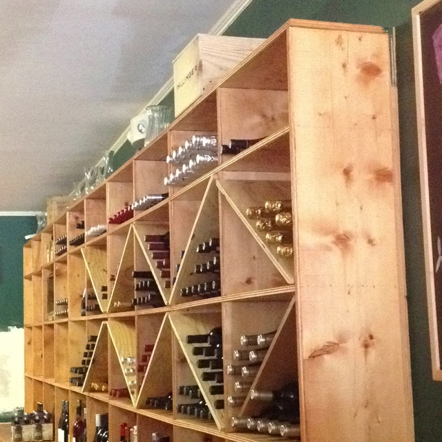 Vino e Formaggio. One of my favorite places to hang out!: Wine, Spaces, Favorite Places
