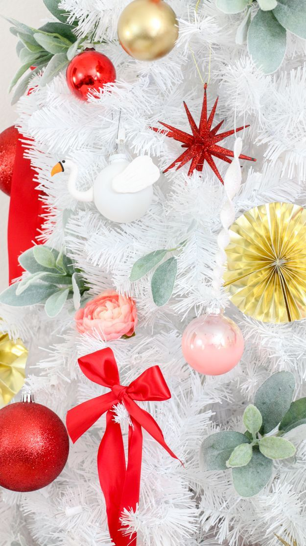 Decorate It - A Semi Traditional Christmas Tree with DIY Blendo