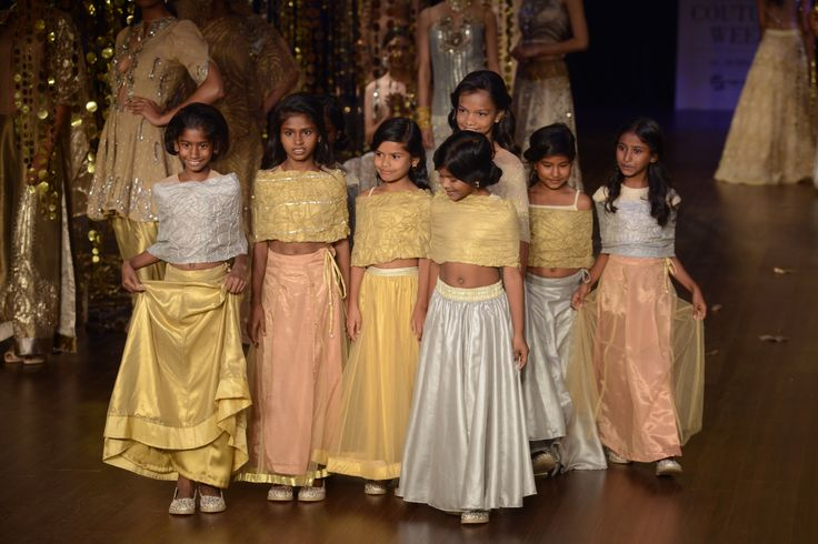 The highlight of the grand show was of course the beautiful little girls from Smile Foundation.Rina Dhaka#ICW2017https://www.perniaspopupshop.com/