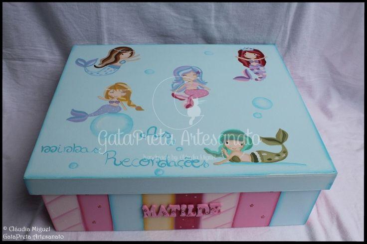 """Caixa grande para recordações """"Sweetest Mermaids""""."""