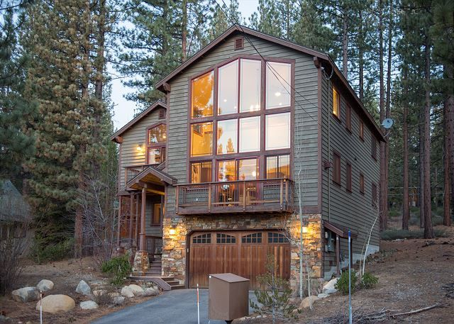 Tranquil And Luxurious Vacation Rental Ideally Located In The Beautiful  Country Club Heights Neighborhood Minutes Away From All The Best Lake Tahoe  Has To ...