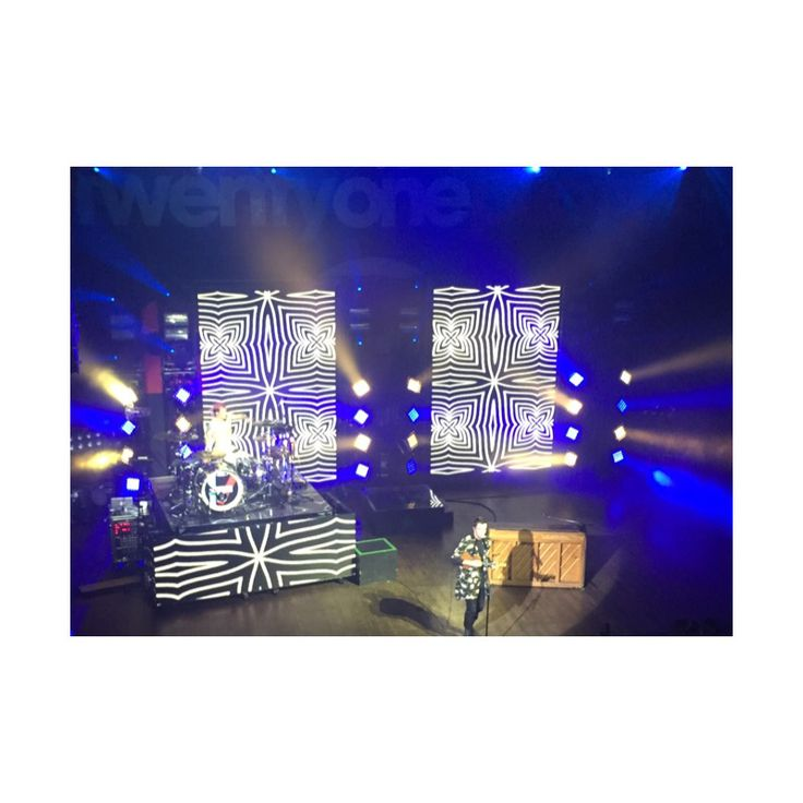 Twenty one pilots at house of blues in Dallas Texas
