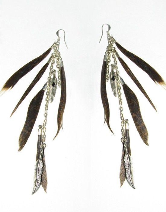 Boucles d'oreilles boho, en plumes mi-longues, plumes naturelles, de chaîne argentée breloques plumes en argent tibétain. Bijoux de créateur, pièce unique, boho style, bijoux bohème par Shiva So Créa.