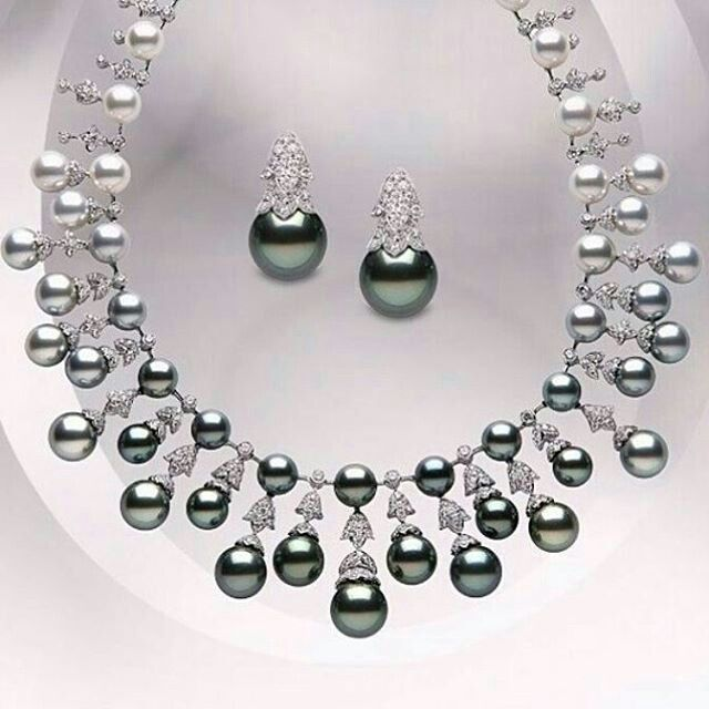Black Pearl necklace @leyla_ozakbas