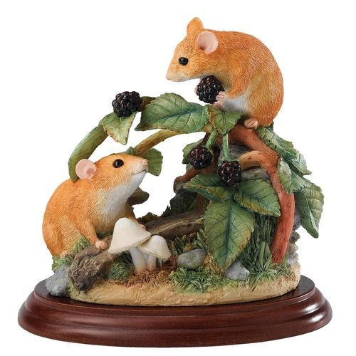 We stock a vast array of Border Fine Arts items including the Dormice and Brambles figure - Speedy UK delivery and same day despatch