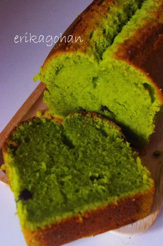 Moist Matcha Pound Cake Unsalted butter (or margarine) 100 g Sugar 90 g Eggs 2 Cake flour (sifted) 100 g Baking powder 3 g Matcha Enough to turn the batter bright green Plain yogurt 2 heaping tablespoons Amanatto As much as you like Matcha tea essence (optional) 5 drops