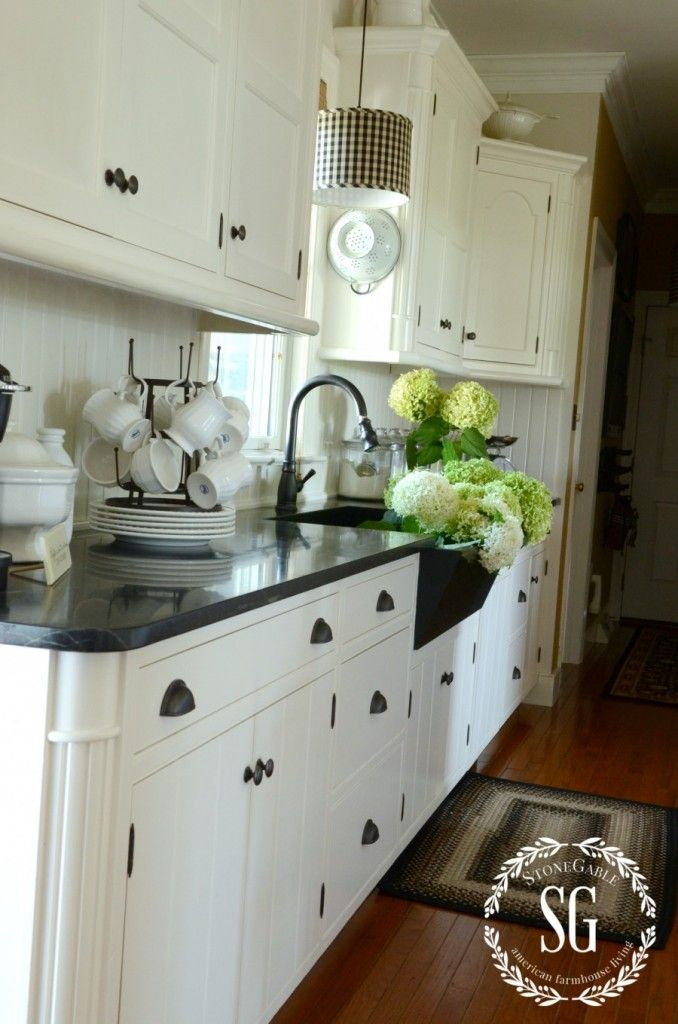 farmhouse kitchen changes drawer pulls soaps and farmhouse kitchens. Black Bedroom Furniture Sets. Home Design Ideas