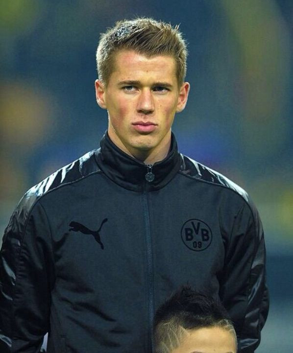 Erik Durm... Probably one of the most attractive German players