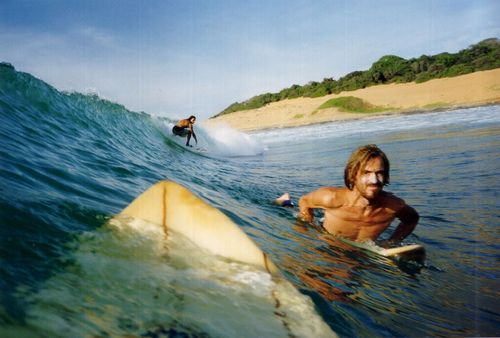 Surfing in Arugam-Bay, Sri Lanka // Sheranga's pin board contains 101 places to visit in Sri Lanka. So great for tips when I'm going there!