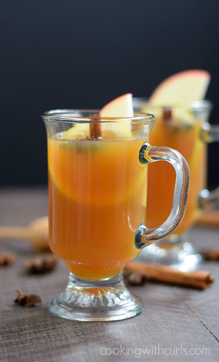This Hot Spiced Cider Toddy will warm you up on a cool fall evening | cookingwithcurls.com